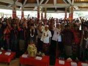 Koster dihadapan ratusan warga Desa Pakraman Pangi, Kecamatan Dawan, Kabupaten Klungkung, Rabu 9 Mei 2018 - foto: Istimewa