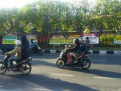Puluhan karangan bunga ungkapan simpati dari masyarakat dikirimkan ke Polda Bali atas gugurnya 5 Bhayangkara saat tragedi penyanderaan di Rutan Cabang Salemba, Depok, Jawa Barat - foto: Istimewa