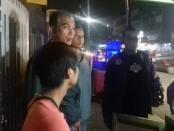 Operasi penertiban miras ilegal yang dilakukan Polsek Tambora, Jakarta Barat selama bulan Ramadhan - foto: Bob/Koranjuri.com