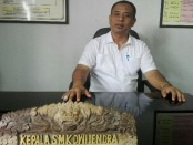 Kepala SMK Dwijendra, Ida Bagus Dwi Oka Putra - foto: Koranjuri.com