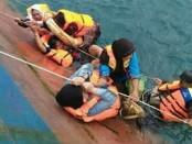 Suasana evakuasi penumpang  KM Lestari Maju yang Tenggelam di Perairan Selayar, Kabupaten Bulukumba Provinsi Sulawesi Selatan pada Selasa (3/7/2018) pukul 14.30 Wita - foto: Istimewa