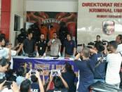 Kabid Humas Polda Metro Jaya Kombes Raden Prabowo Argo Yuwono menggelar perkara pembunuhan Jeane Setyadi (78) - foto: Bob/Koranjuri.com