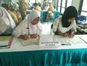 Suasana di ruang pendaftaran  PPDB online SMK N 3 Purworejo - Sujono/Koranjuri.com