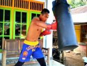 """Herry Andriyanto 'The Predator"""",  petinju dari Purworejo yang akan bertanding di Philipina - foto: Sujono/Koranjuri.com"""