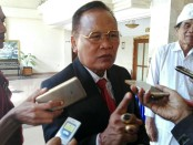 Kepala SMK PGRI 3 Denpasar, I Nengah Madiadnyana - foto: Koranjuri.com