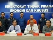 Konferensi pers yang dilakukan pihak Kepolisian dan SWI OJK terkait kasus UN Swissindo - foto: Ari Wulandari/Koranjuri.com