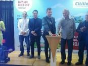 Secara resmi kerjasama antara PT Home Credit Indonesia dengan Maskapai Citylink ditandai dengan penekanan tombol sirine di Denpasar - foto: Koranjuri.com