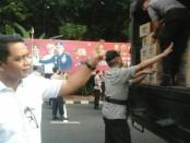 Distribusi logistik untuk gempa di Lombok dikirimkan oleh Polda Metro Jaya, Kodam Jaya dan Lanud Halim Perdanakusuma - foto:  Bob/Koranjuri.com
