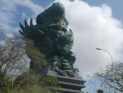Patung Garuda Wisnu Kencana (GWK) - foto: Koranjuri.com
