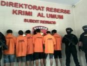 Subdit Resmob Ditreskrimum Polda Metro Jaya menangkap DM (37) mantan residivis yang mendekam dipenjara selama 11 tahun kasus pembunuhan berencana - foto: Bob/Koranjuri.com