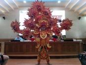 Salah satu kostum berlambang api yang akan digunakan di event Pesona Nusa Dua Fiesta 2018 - foto: Koranjuri.com