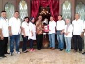 Relawan Tim 7 Jokowi centre JawaTengah saat melakukan silaturahmi ke Walikota Solo jelang acara pengukuhan - foto: Istimewa