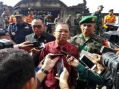 Gubernur Bali I Wayan Koster (tengah) bersama Pangdam IX/Udayana Mayjen TNI Benny Susianto (kanan) dan Kerja DPRD Bali I Nyoman Adi Wiryatama (kiri) - foto: Koranjuri.com
