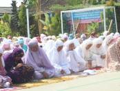 SMK Kesehatan Purworejo, melaksanakan sholat gaib dan doa  bersama untuk para korban musibah gempa - tsunami di Sulteng, Sabtu (6/10) - foto: Sujono/Koranjuri.com