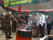 Pemusnahan barang bukti narkoba dan Barbuk hasil kejahatan dilakukan oleh Kejari Jambi - foto: Bob/Koranjuri.com
