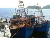 Kapal ikan asing berbendera Vietnam yang disergap KRI Wiranto-379 di perairan Natuna - foto: Istimewa