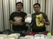 Wadirnarkoba Polda Riau AKBP Andri bersama barang bukti Yang diamankan - foto: Istimewa