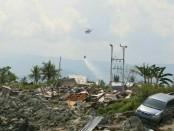 Droping logistik dari udara ke sejumlah titik pengungsian di Sulawesi Tengah - foto: Istimewa
