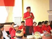 Gubernur Bali Wayan Koster spontan mengunjungi masyarakat di beberapa desa di Tabanan, Jumat, 2 November 2018 - foto: Istimewa