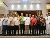Pangdam IX/Udayana, Mayjen TNI Benny Susianto, bertemu dengan Aliansi Masyarakat Pariwisata Bali di Hongkong Garden, Denpasar Timur, Selasa (20/11/2018) malam - foto: Istimewa