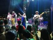 Grup band beraliran acid jazz The Groove menutup event Catatan Anak Disko tahun ini di Artotel Beach Club Sanur - foto: Koranjuri.com