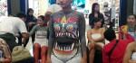 Puluhan Model Meriahkan Body Painting di Tengah Mall