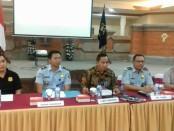 Kepala Divisi Keimigrasian Kemenkumham Bali memberikan keterangan pers terkait pemeriksaan Maria Ozawa - foto: Istimewa