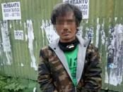 Kurir narkoba bernama Kadek S (42) ditangkap ketika tengah mengambil sabu-sabu di Denpasar - foto: Istimewa