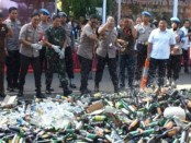 Ribuan botol itu disita di wilayah hukum Polda Metro Jaya selama Operasi Pekat Jaya yang dilaksanakan pada 26 November hingga 19 Desember 2018 - foto: Istimewa
