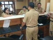 Tim GDN Kota Denpasar menggelar sidak pegawai di lingkungan Pemerintah Kota Denpasar - foto: Istimewa