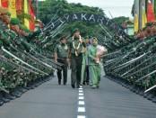 Mayjen TNI Eko Margiyono, MA menerima jabatan Panglima Kodam Jaya/Jayakarta dalam upacara Sertijab, Kamis, 31 Januari 2019 - foto: Istimewa
