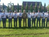 Para siswa yang berprestasi, bersama Budiyono, Kepala SMK N 1 Purworejo - foto: Sujono/Istimewa