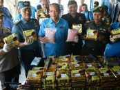 Barang bukti narkoba jenis ekstasi dan sabu-sabu yang diamankan di tengah perairan Aceh - foto: Istimewa