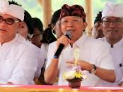 Gubernur Bali Wayan Koster (kanan) dan Ketua DPRD Bali Nyoman Adi Wiryatama - foto: Istimewa