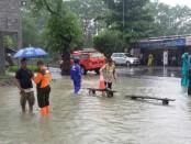 Hujan deras yang terus mengguyur wilayah Purworejo sejak Rabu (16/1), mengakibatkan sejumlah desa terendam banjir - foto: Sujono/Koranjuri.com