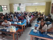 Puluhan Alumni SMK PGRI 3 Denpasar menghadiri rangkaian HUT sekolah yang ke-19, Selasa, 22 Januari 2019 - foto: Koranjuri.com