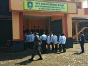 Para napi Rutan Purworejo, saat berada di kantor UPT BLK Dinperinaker Kabupaten Purworejo, Selasa (26/2), untuk mengikuti pembukaan Pelatihan Ketrampilan Berbasis Kompetensi - foto: Sujono/Koranjuri.com