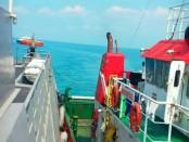 Sebuah Tongkang dengan muatan Bio Solar tanpa dilengkapi dokumen Delivery Order terjaring operasi Koarmada I di Perairan Selat Philips Timur, Tanjung Balai Karimun, Senin (4/2/2019) lalu - foto: Istimewa