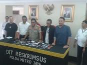 Subdit IV Cyber Crime Ditreskrimsus Polda Metro Jaya menangkap empat Pelaku Driver 'Tuyul' Gojek - foto: Bob/Koranjuri.com