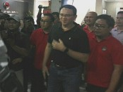 Basuki Tjahaja Purnama (BTP) alias Ahok baru tiba di kantor DPD PDIP Provinsi Bali, Jumat, 8 Februari 2019. Ahok mengaku kedatangannya ke Bali untuk jalan-jalan - foto: Koranjuri.com