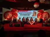 Keterangan foto: Diskusi mbabar pitutur kamanungsan Gus Dur di pendhapi ageng balaikota Solo./ foto: koranjuri