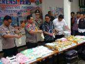 Subdit III Direktorat Resnarkoba Polda Metro Jaya menggeledah 3 kamar hotel dan 1 apartemen di Jakarta - foto: Bob/Koranjuri.com