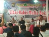 Diskusi Pojok Semanggi bertema 'Libas Habis Mafia Bola' yang digelar Forum Wartawan Polri (FWP) bersama Bidang Humas Polda Metro Jaya di Balai Wartawan Polda Metro Jaya, Jumat (15/3/2019) - foto: Bob/Koranjuri.com
