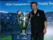 Alessandro Del Piero memboyong piala asli Liga Champions UEFA di Pulau Bali - foto: Istimewa