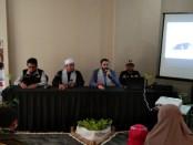 Keterangan foto: Syeckh As'ad bersama  tim ACT saat menggelar keterangan pers kapal kemanusiaan /foto: koranjuri