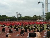 5.000 orang penari Jaranan yang dipentaskan di Stadion Sriwedari Solo dalam memeriahkan Hari Tari Sedunia tahun 2019. Tarian kolosal itu sekaligus memecahkan rekor LEPRID ke-481 - foto: Djoko Judiantoro/Koranjuri.com