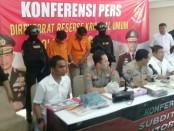 Pelaku perampokan dengan modus taksi online diamankan Subdit Resmob Ditreskrimsus Polda Metro Jaya - foto: Bob/Koranjuri.com