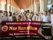 Para karyawan Bank Purworejo yang menjalankan ibadah umroh gratis dari perusahaan, saat berada di tanah suci - foto: Sujono/Koranjuri.com