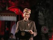 Presiden Joko Widodo bertatap muka dan beramah tamah dengan ribuan krama (masyarakat) serta tokoh masyarakat Bali di Panggung Terbuka Ardha Candra Taman Budaya Provinsi Bali, Jumat (22/3/2019) petang - foto: Istimewa