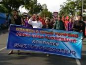 Kontingen SMK YPT Purworejo, ikut berpartisipasi pada Kirab Budaya dalam rangka Merti Desa Pangenrejo, Jum'at (19/4) sore - foto: Sujono/Koranjuri.com